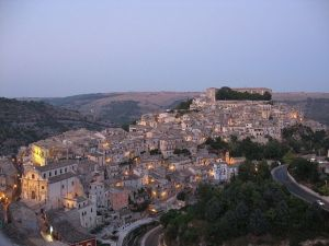 640px-Ragusa_Ibra_(panoramica)